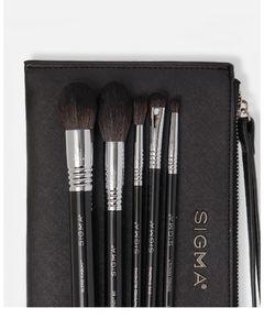 Signature Brush Set