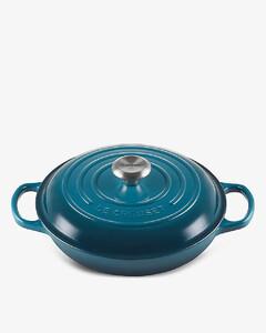 Signature oval cast iron casserole dish 30cm