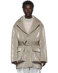灰色精裁羽绒大衣