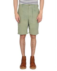棕色开衩填充大衣