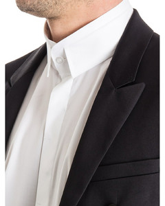 Black feather down/recycled nylon jacket two zip-fastening pockets, elasticated cuffs and straight hem. po