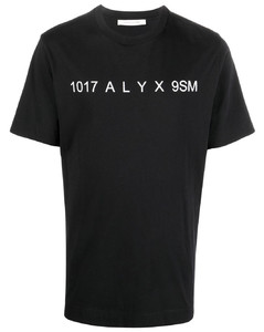 黑色抓绒夹克