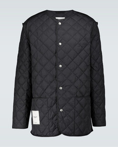 Padded sports jacket with zipper
