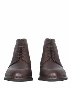 Trekking boots in leather