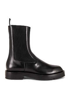 Squared Ankle Boot in Black
