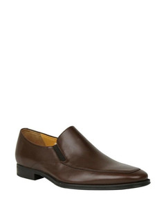 Wingtip brogue grained-leather boots