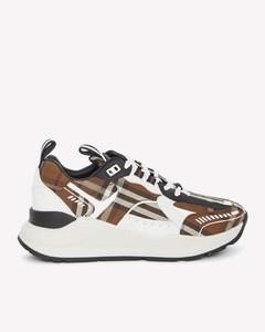 黑色Intrecciato凉鞋